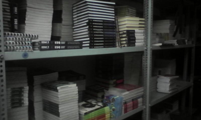 Buku, souvenir, kaos, tshirt, boneka, dvd, esq