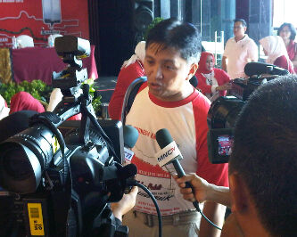 Wawancara - Foto Aditya Nur Baskoro-Life Walks Berry Natalegawa-ESQ 165