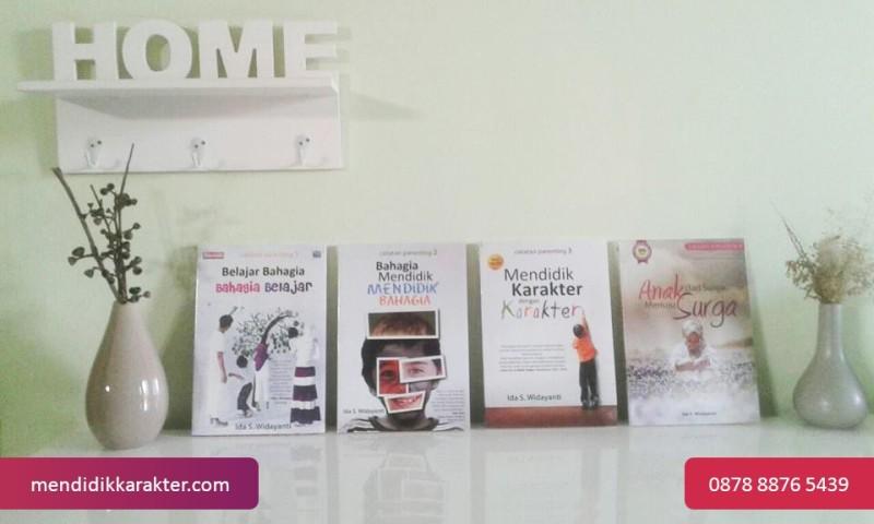 paket-buku-pendidikan-karakter-buku-parenting-ida-s-widayanti-mendidik-karakter-dengan-karakter